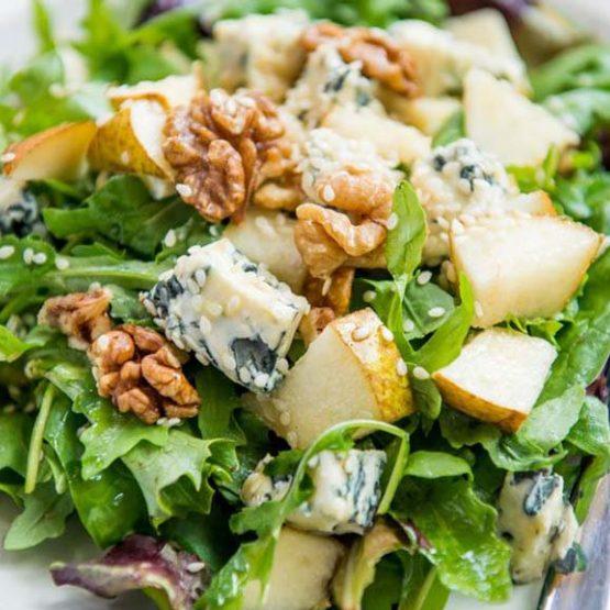 Receta El Huertico Ensalada de pera, nueces y roquefort