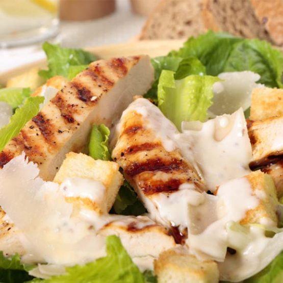 Receta El Huertico Ensalada de pollo con salsa casera de yogur