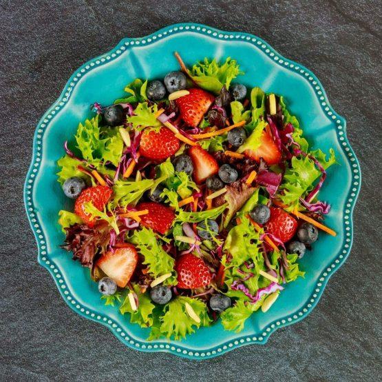 Receta El Huertico Ensalada Summum con Zanahoria y frutos rojos